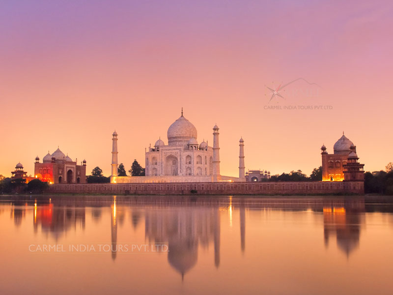 Delhi to Agra tour package taj mahal