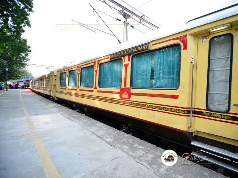 Palace on Wheels Luxury Train package tour