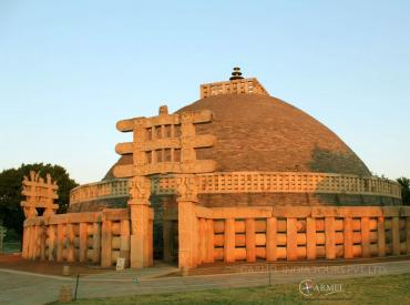 sanchi stupa tour and travel package