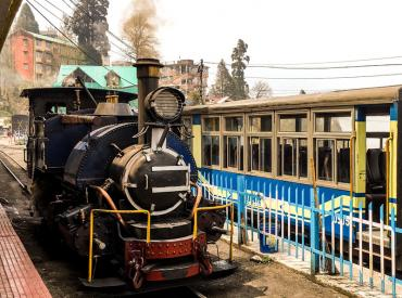 Darjeeling, Toy Train ride, Darjeeling Holiday package