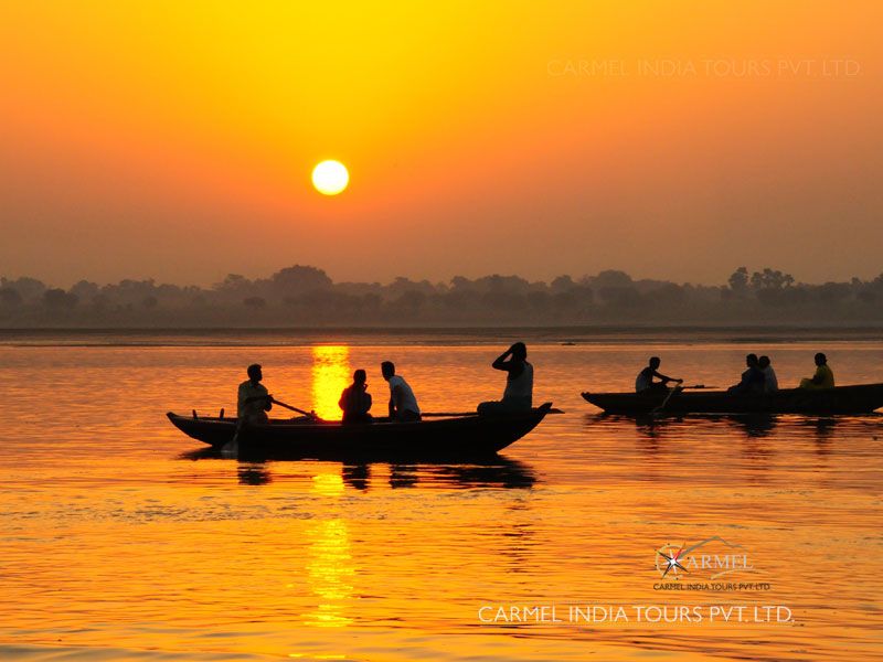 Delhi to varanasi tour package